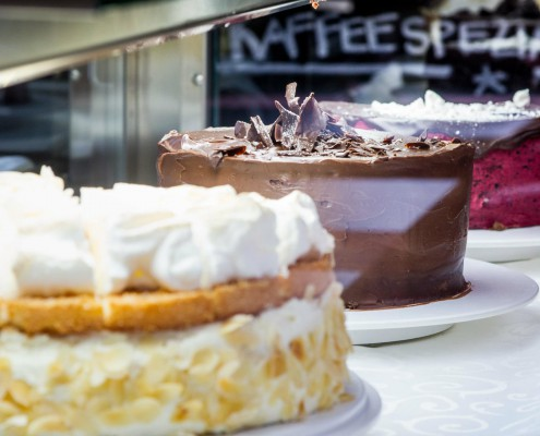 Enjoy different cakes and pies in Weimar